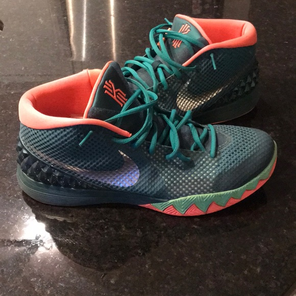 Nike Kyrie 1s - Kyrie Irving Men's shoes size 13